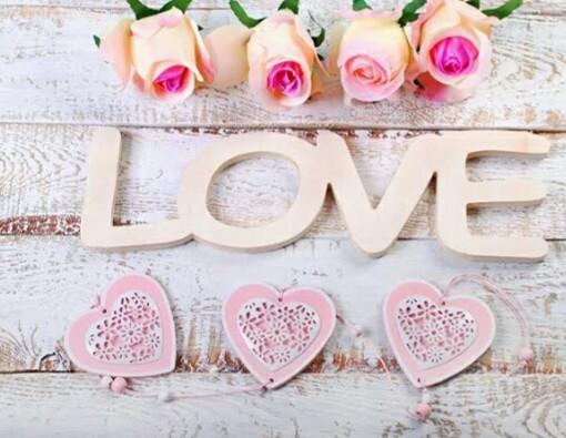 قلوب وردية