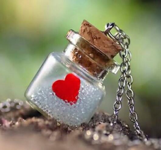 قلب بزجاجة